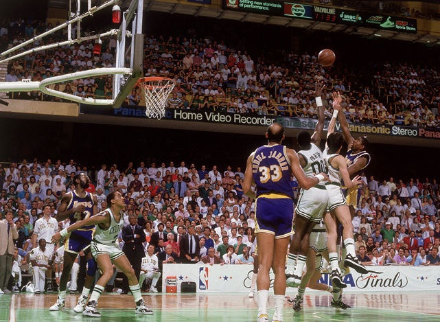 Magic Johnson 1987 NBA Finali Baby Sky Hook