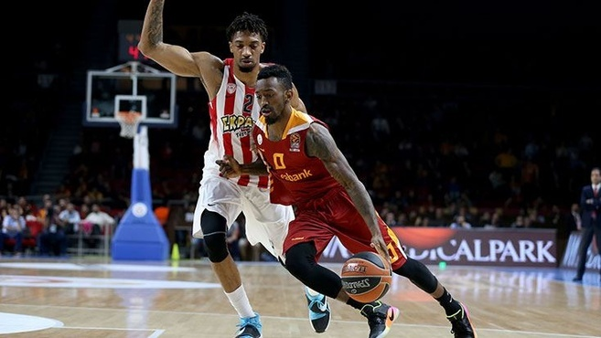 Russ Smith, Galatasaray ve Ataman'ı Bombaladı