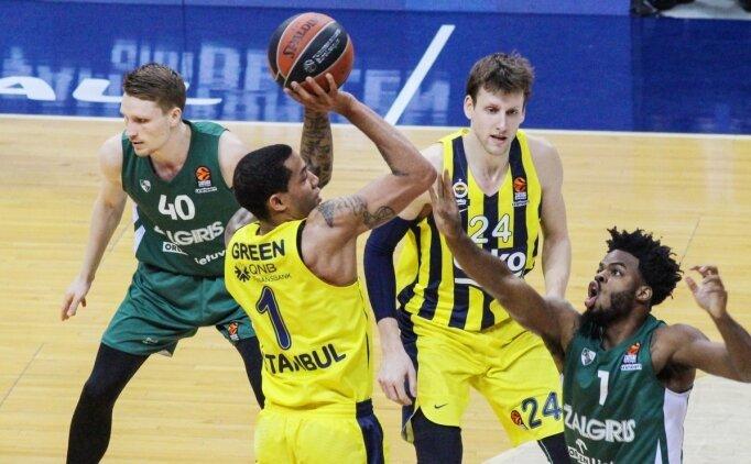 Fenerbahçe'de Dört Oyuncuyla Yollar Ayrıldı