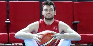 Yiğit Arslan Galatasaray'ı hak ettiği yerlere, tekrar getirmek istiyoruz(Özel Röportaj)